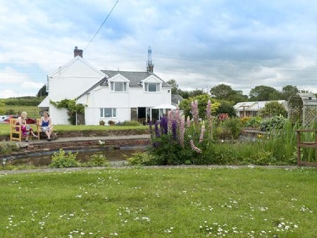 Brynawel Farm Bed and Breakfast