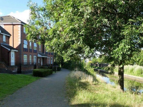 Coventry Canal Side Apartment